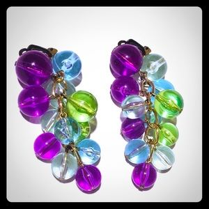 Vintage lucite beaded cluster clip on earrings